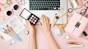 بلاگر کیست و چگونه Blogger موفقی شویم؟ | روشهای کسب درآمد بلاگر